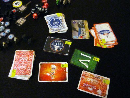 Karty w grze zbierano z różnych talii