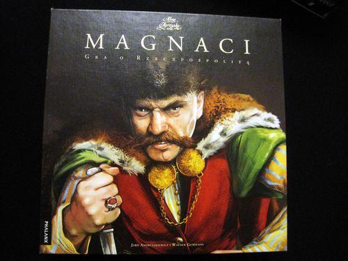 Recenzja: Boże Igrzysko Magnaci